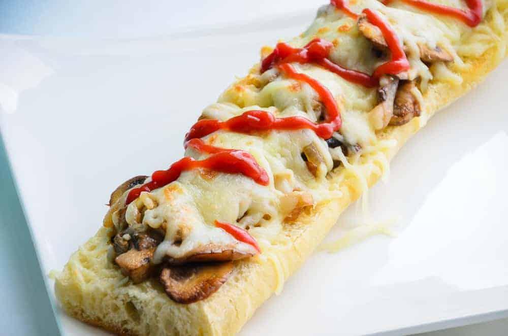 Polish Open-Faced Sandwich (Zapiekanka) Recipe