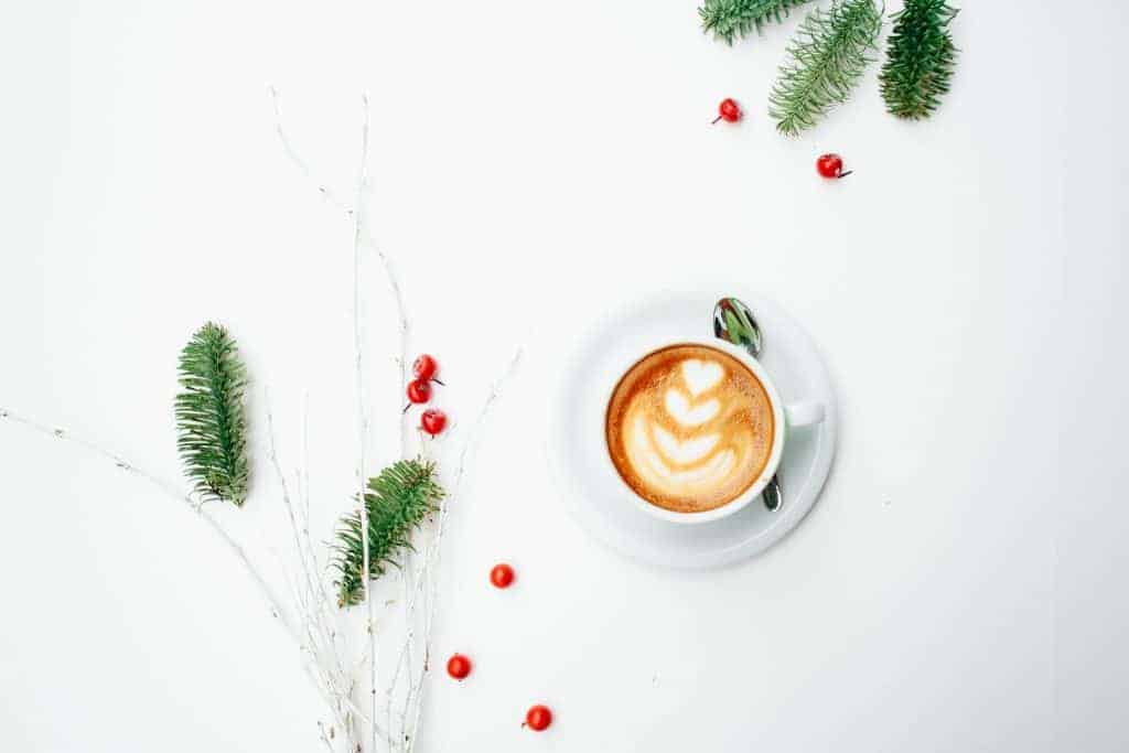 The Perfect Non-Traditional Christmas Playlist To Get You in the Holiday Spirit